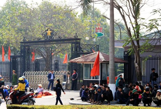 nguoi-dan-phan-doi