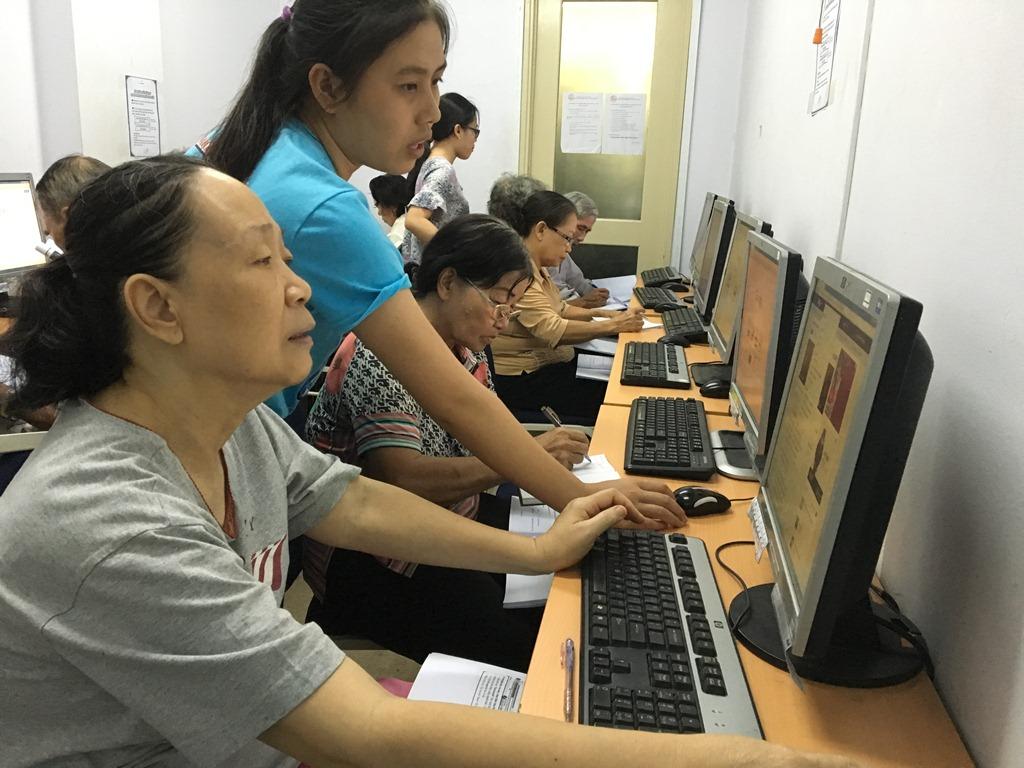 huong-dan-kien-thuc-internet-cho-nguoi-gia