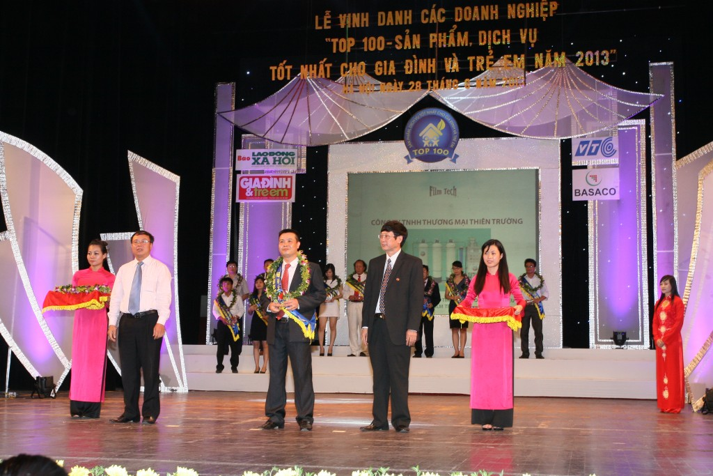 cong-ty-tnhh-thuong-mai-thien-truong-nhan-giai-thuong-san-pham-vang-dich-vu