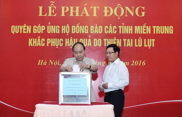 thu-tuong-nguyen-xuan-phuc-quyen-gop-ung-ho-3