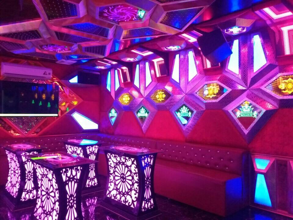 karaoke-tai-nha-hang-bieu-tham