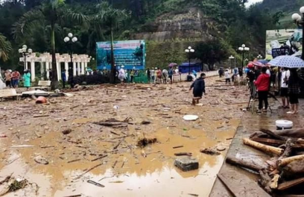 Lũ ống ở Yên Bái làm 11 người thiệt mạng, nhiều tài sản bị cuốn trôi