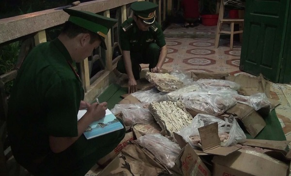 Lào Cai: Bắt hơn 100 kg nội tạng động vật lậu