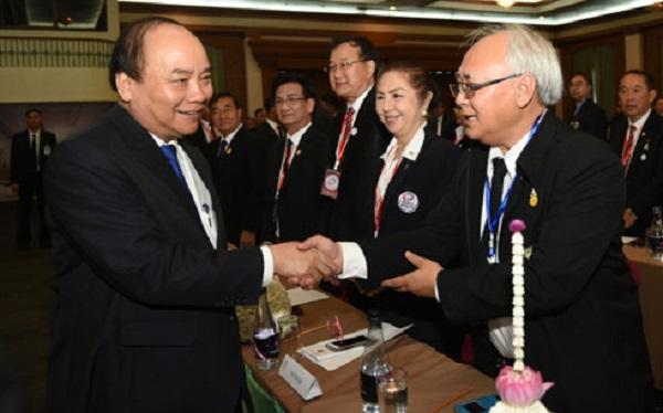 Thủ tướng Nguyễn Xuân Phúc gặp mặt Việt kiều sinh sống, làm việc tại Thái Lan
