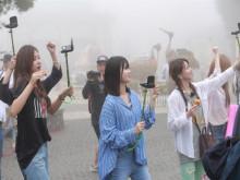 TWICE phấn khích du ngoạn Sun World Ba Na Hills