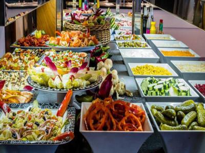 """Mô hình kinh doanh """"lời không tưởng"""": Khách ăn càng nhiều, nhà hàng càng lãi, nhờ áp dụng cả kinh tế"""