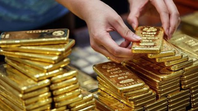 Dự báo kinh tế Mỹ suy giảm, vàng bật tăng?