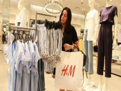 """Lý do H&M đang tồn kho cả """"núi"""" quần áo"""