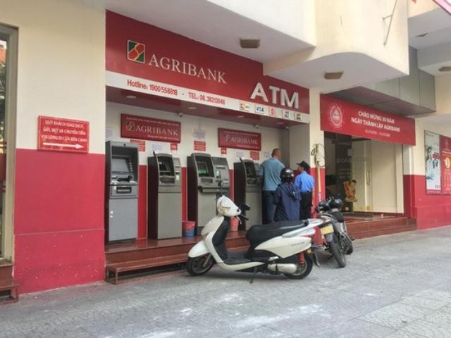 Ngân hàng tăng phí ATM có thể đối diện án phạt nặng