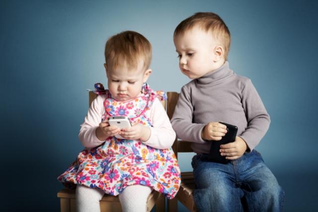 Những đứa trẻ trầm cảm vì nghiện smartphone