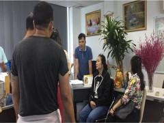 """Công ty tour ở Sài Gòn cho khách đi… """"tàu bay giấy"""""""