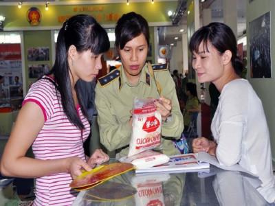 Chống hàng giả, gian lận thương mại: Cuộc chiến chưa có hồi kết