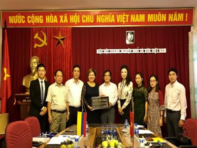 Hiệp hội Doanh nghiệp nhỏ và vừa Việt Nam tiếp đón Đại sứ quán Colombia