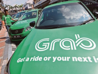 Lý do hiệp hội taxi Hà Nội kiến nghị Grab phải gắn mào
