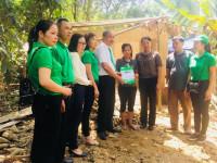 Trao mái ấm tình thương và nhiều phần quà ý nghĩa cho nhân dân vùng lũ lụt huyện Cẩm Thủy