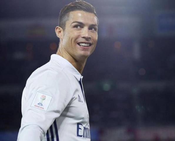 Nhìn lại 11 tấm thẻ đỏ trong sự nghiệp của Cristiano Ronaldo