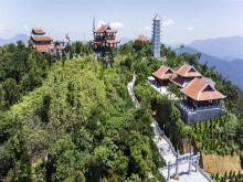 Những ngôi thiền tự trên hai đỉnh thiêng đất Việt