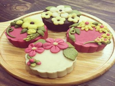 """Bánh trung thu handmade: Đủ loại """"thượng vàng hạ cám"""""""