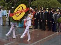 100 doanh nhân tiêu biểu dâng hương tưởng nhớ các Anh hùng Liệt sĩ tại Đài tưởng niệm Bắc Sơn