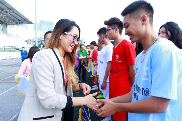 Tưng bừng khai mạc giải bóng đá học sinh THPT Hà Nội 2018 tranh Cup Number 1 Active