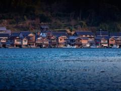 Ngắm ngôi làng nổi đẹp như tranh ở xứ sở Phù Tang