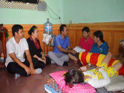 Hiệp hội Vận tải tỉnh Bình Dương: Thăm và hỗ trợ gia đình nạn nhân bị tai nạn giao thông