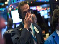 """Thị trường chứng khoán Mỹ tiếp tục lao dốc: """"Ám ảnh"""" thắt chặt tiền tệ"""