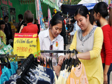 """Xuất khẩu hàng Việt: Doanh nghiệp bỏ quên """"sân nhà"""""""