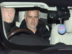 NÓNG: Manchester United sa thải HLV Mourinho