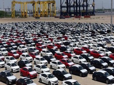 Lượng ô tô nhập khẩu tiếp tục tăng cao kỷ lục