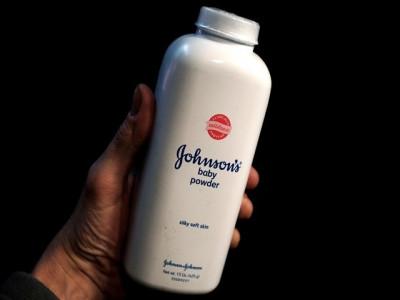 Johnson & Johnson giấu thông tin phấn rôm chứa chất gây ung thư?