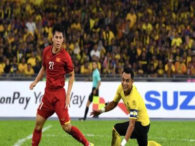 """Fox Sport chỉ ra 5 điểm nhấn trận Malaysia – Việt Nam: """"Đỗ Duy Mạnh đã không bị thẻ đỏ khi huých cùi"""