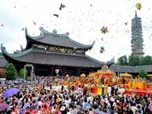 Nhiều đổi mới trong tổ chức lễ hội chùa Hương 2019