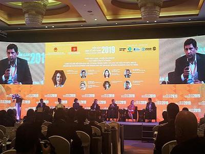 Diễn đàn Kinh tế Việt Nam: Củng cố nền tảng cho tăng trưởng nhanh và bền vững