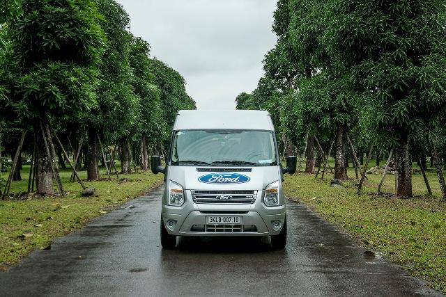 Ford giảm giá xe Transit, tặng thêm nhiều ưu đãi hấp dẫn