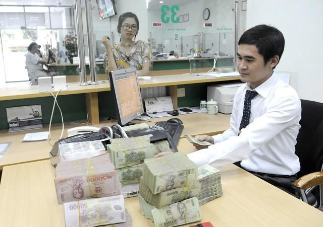 Nợ xấu ngân hàng: Lo cả cũ lẫn mới