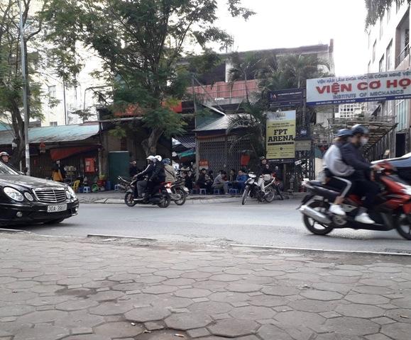 """Phường Liễu Giai (quận Ba Đình): Ai """"chống lưng"""" cho sai phạm tại bãi trông giữ xe 264 Đội Cấn?"""