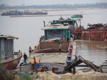 Cần làm rõ việc Công ty CP Khoáng sản Hoàng Phát Thủ Đô hút cát gây sạt lở