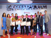 Dự án Thiết bị giao tiếp thông minh MultiGlass đạt giải nhất cuộc thi Nhà khởi nghiệp của năm