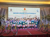 Hàng chục tỷ  đồng gây quỹ vì trẻ em Việt Nam tại Lễ dâng hương đền Hùng