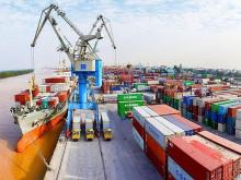 Đến giữa tháng 3, thặng dư thương mại đạt 500 triệu USD