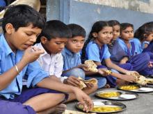 Thực phẩm bẩn xâm nhập vào trường học: Mối lo không phải chỉ riêng của Việt Nam