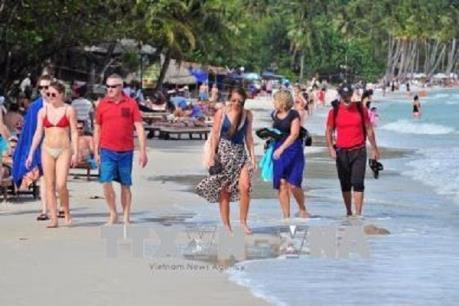 Bốn tháng đầu năm, khách quốc tế đến Việt Nam tăng gần 8%