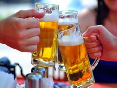 Cấm bán rượu bia trên internet: Không khả thi