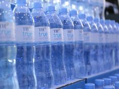 Các nhà khoa học trắc địa thế giới yêu thích loại nước uống từ mạch ngầm núi lửa Việt Nam
