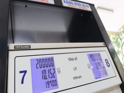 Doanh nghiệp thêm 'cú sốc' giá xăng dầu tăng mạnh