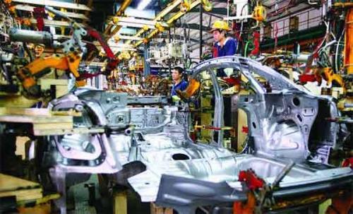 Thuế nhập khẩu linh kiện ô tô thấp khiến doanh nghiệp không chủ động nội địa hoá?