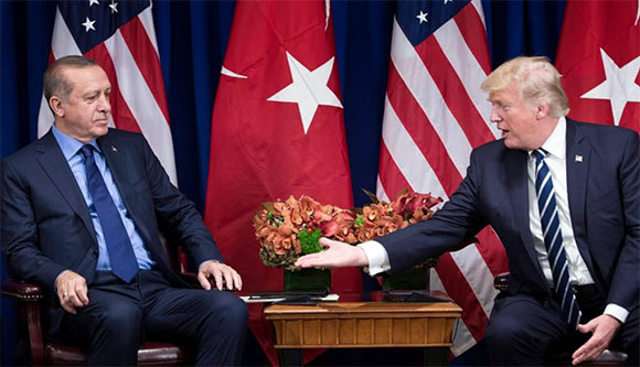 """Thổ Nhĩ Kỳ quyết mua S-400 Nga, Mỹ hết """"xoa"""" lại """"đấm"""""""