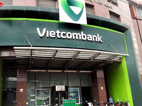 Vietcombank lúng túng trong xử lý vụ việc