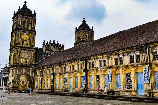 Chiêm ngưỡng kiến trúc cổ kính, hiện vật độc đáo của giáo đường Bùi Chu hơn 130 năm tuổi